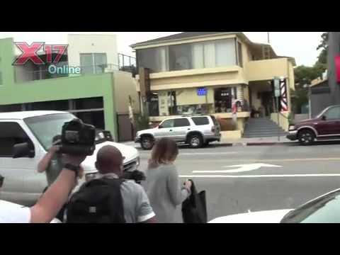 Miley saindo da Aula de Pilates (24/04/2012)