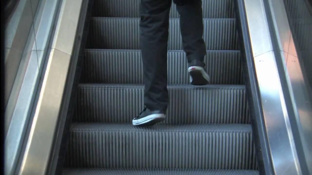 Step by step a non sense escalator animation by misterkama youtube
