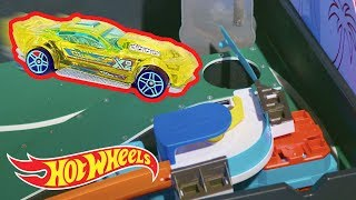How We Played Mini-Golf With Hot Wheels | Hot Wheels Unlimited | Hot Wheels