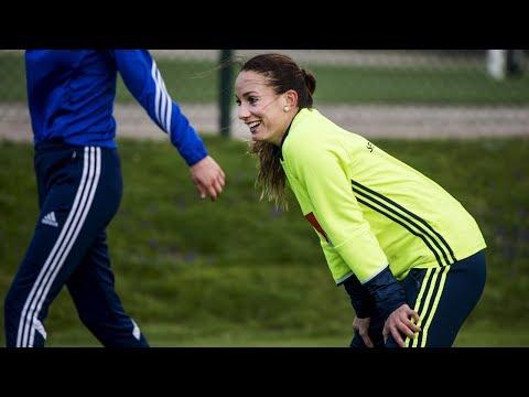 Gräsroten hyllar mångfalden – Kosovare Asllani & Stine Blackstenius överraskar IFK Trelleborg