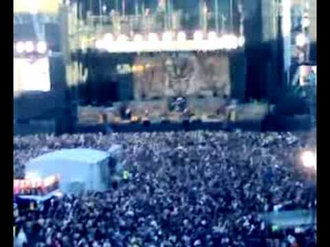 Iron Maiden in Helsinki, Bruce Chatting whit audience