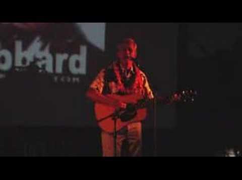 Senator Mike Gabbard sings to Hawaii audience