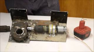 Халявный электропривод для распашных ворот из шуруповерта(, 2015-11-29T14:48:50.000Z)