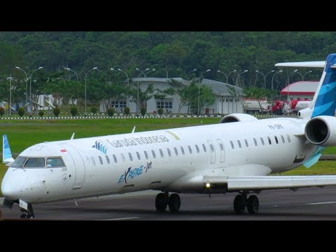 Pesawat Terbang Garuda Indonesia CRJ1000 dan Xpress Air ATR 42 - Pesawat Take Off dan Landing