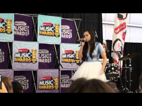 Counting Stars - Megan Nicole (Live Concert)