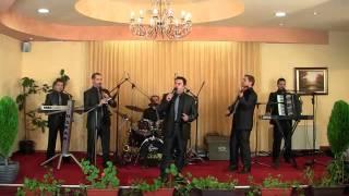 grupa OSKAR Bitola in live - Marice bre licno devojce-makedonska narodna muzika vo zivo.flv