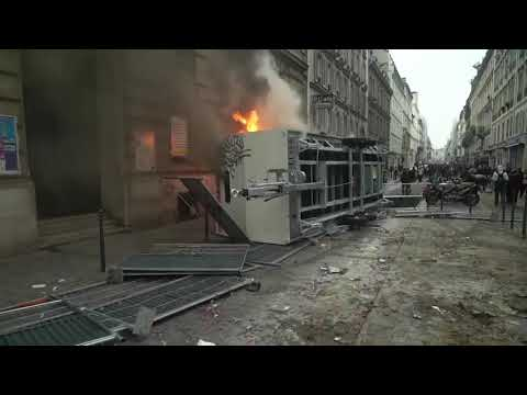 Day of protest ends with Paris clashes