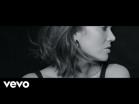 "Mandy Moore - New Song ""When I Wasn't Watching"""
