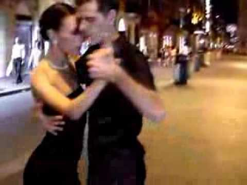 Fantastic Argentinian Tango Street Dance Accompanied By Armik's Lovely Music (Tropical Breeze) آرمیک