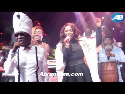 "Efya kisses Kojo Antwi + Excerpts of ""The Kojo Antwi Experience"" show"