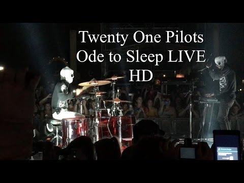 Twenty One Pilots - Ode To Sleep LIVE HD (Emotional Roadshow - Hershey Stadium)