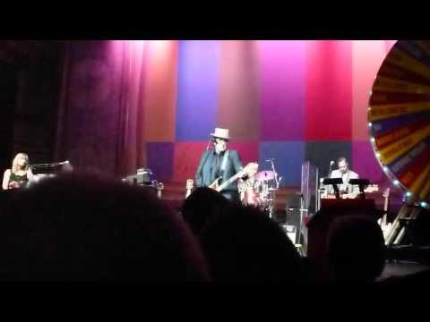 Elvis Costello - Shabby Doll (partial) Corn Exchange, Cambridge UK 5/26/12 mp3