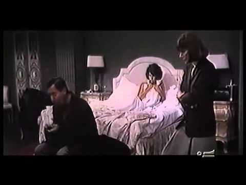 Erminia scopre Silvio e Mara a letto insieme