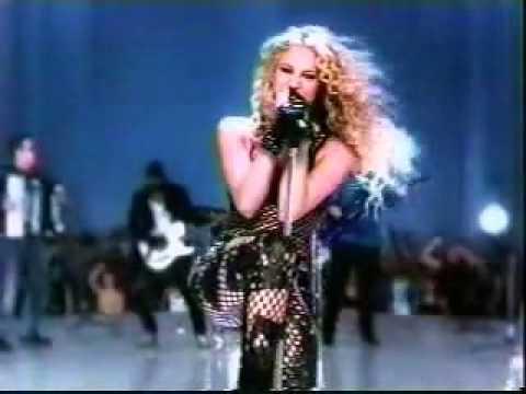 soi dong voi ca si Shakira trong quang cao Pepsi