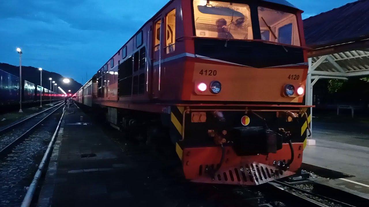 เอฟซี รถไฟไทย ::: หัวรถจักรดีเซล GEK 4004 สับเปลี่ยนในย่านสถานีรถไฟชุมทางทุ่งสง