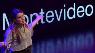 Cómo hacer el bien y ganar dinero al mismo tiempo | Paula Mosera | TEDxMontevideo