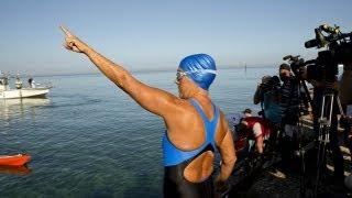 64 yaşındaki ABD'li kadın 53 saat aralıksız yüzdü