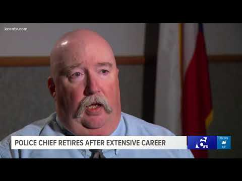 Police chief retires after extensive career