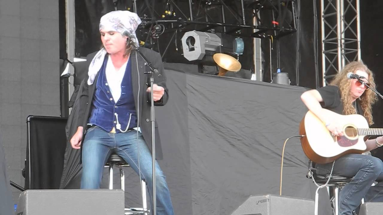 the-quireboys-devil-of-a-man-live-at-sweden-rock-festival-2013-javier-eguren