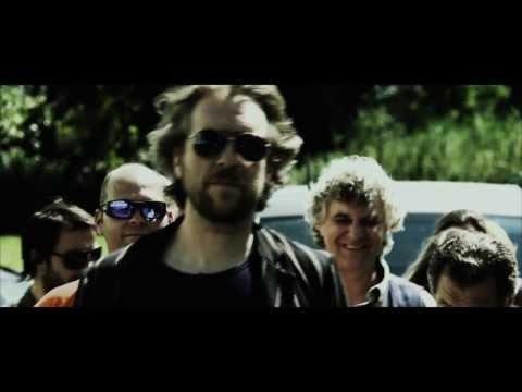 ♫ BLEEN - The neighbour's dog - [official music video] ♫