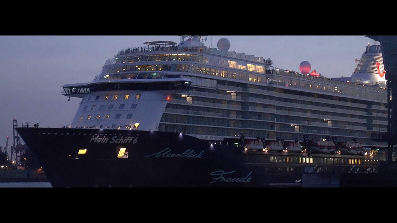 Cruise Ships Horn Mix - YouTube