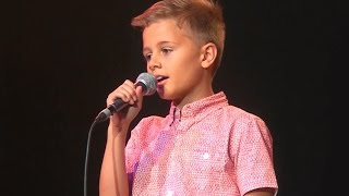 Children sing country