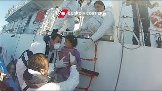 Hundreds rescued by Italian coastguard
