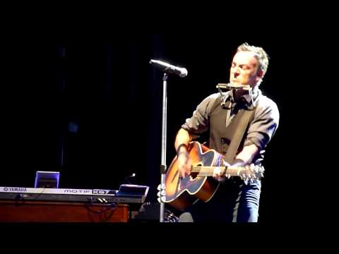 Bruce Springsteen Covers Lorde's 'Royals' In New Zealand