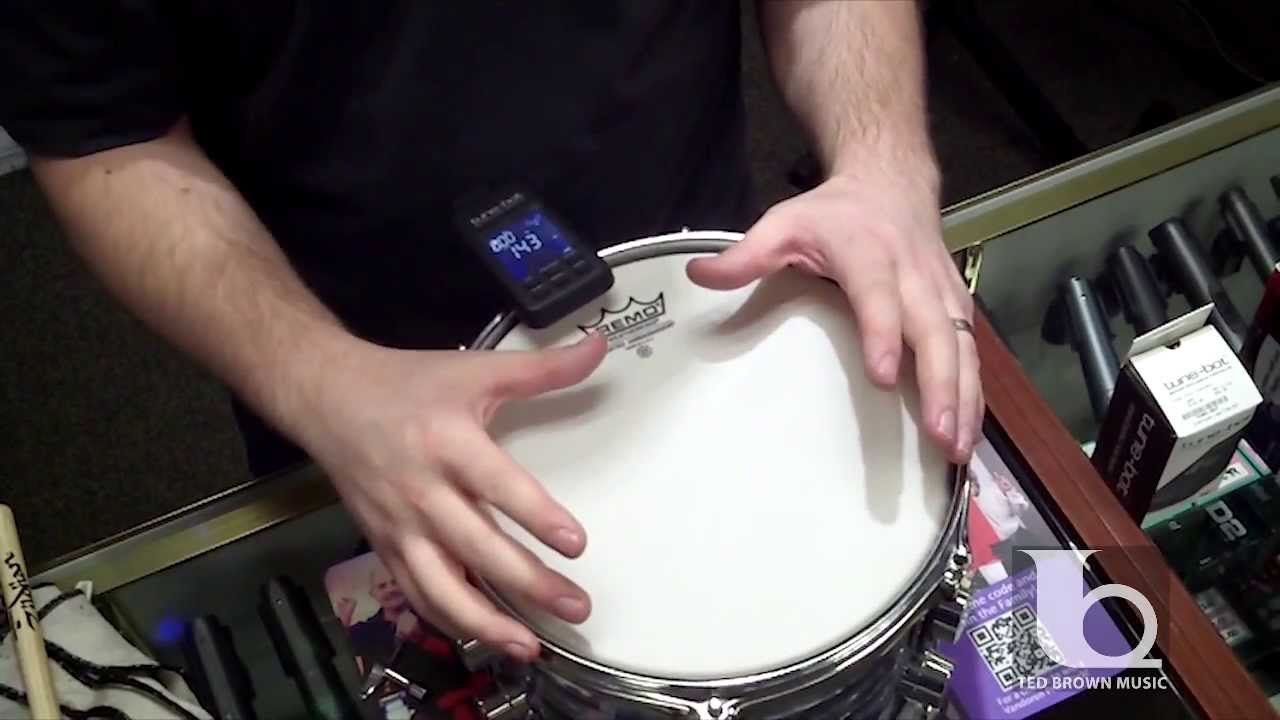 how to tune drum heads using a tune bot drum tuner tedbrownmusiccompany youtube. Black Bedroom Furniture Sets. Home Design Ideas