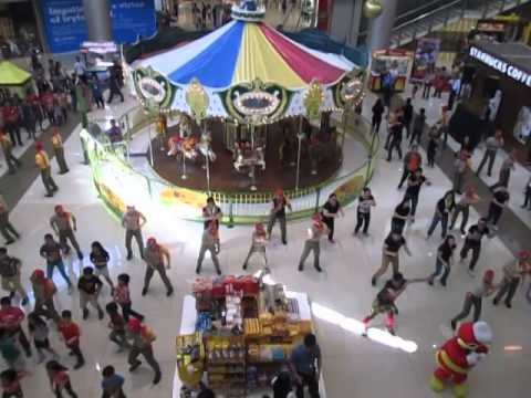 Flash MOB - Jollibee Funfest 2014, Pampanga (@SM City Clark)