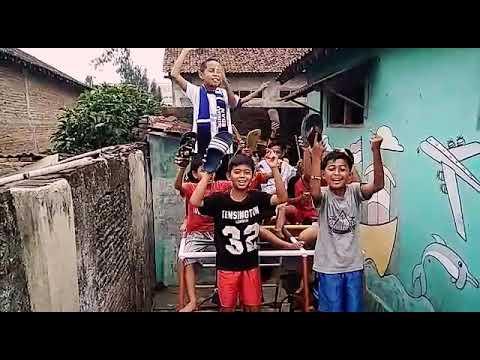 "Gila Anak""keren Nyanyikan Lagu Arema Untuk Bonek"
