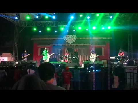 Karma Cinta by Apel Band - Pesta Rakyat Jakarta, 1 June 2015