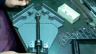 Угловая струбцина(Угловая струбцина своими руками., 2016-09-15T20:03:03.000Z)