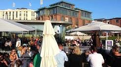 """Norderney / Deutschland: Treiben in der """"Milchbar"""" am Nord-Strand"""