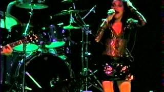PJ Harvey - Good Fortune @Live Philadelphia 2001 720p