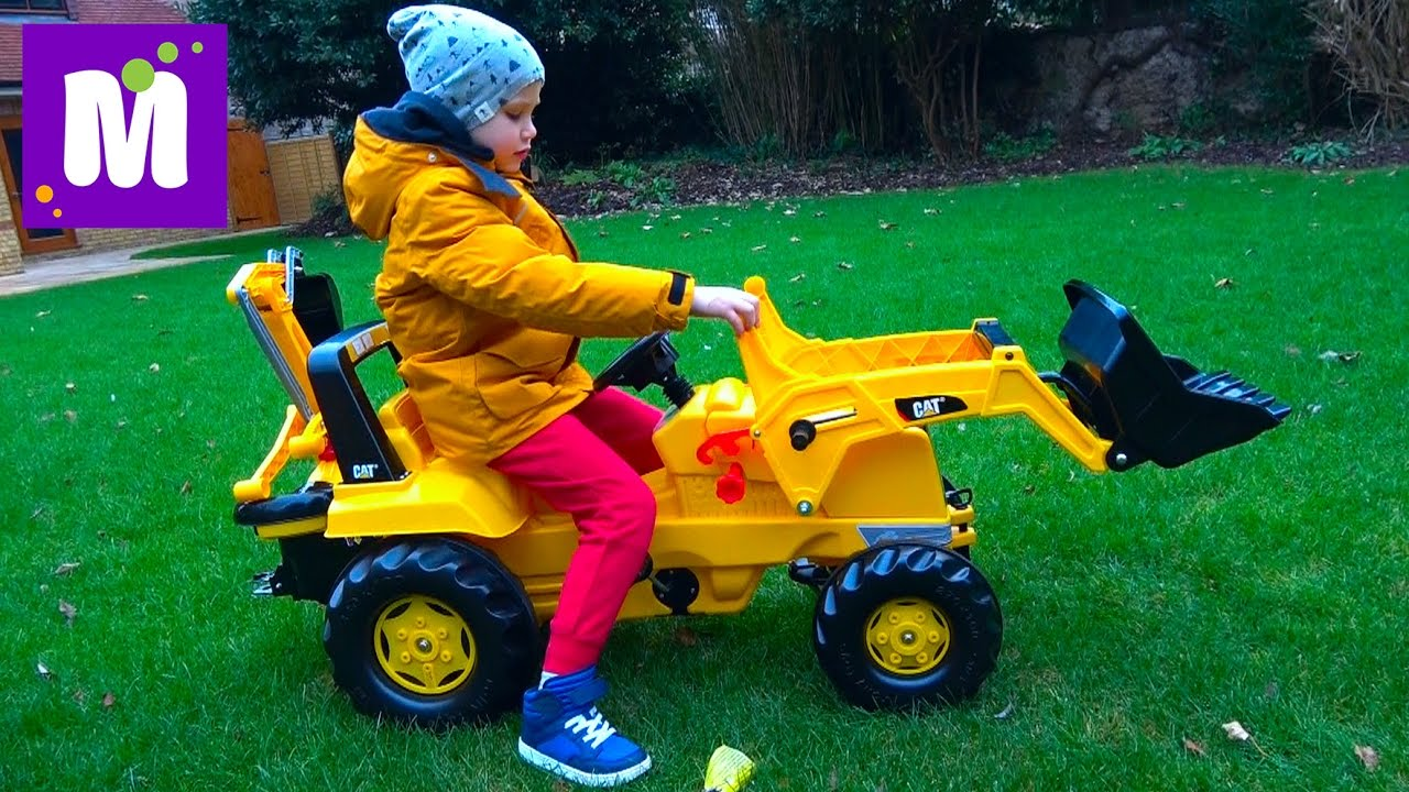 Большой выбор детских игрушечных тракторов с прицепом, как гусенечных, так и на колесах вы найдете в интернет-магазине toyway. Ru.