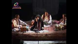 Mera Kamosh Reh Kar Bhe- Abida Parveen Live