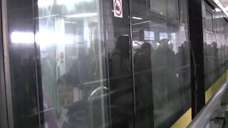 上海地下鉄3号線AC03型305編成 上海火車駅到着