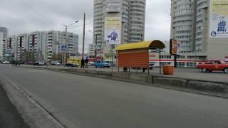 Парад Победы 9 мая в Барнауле. Ретро автомобили едут по городу