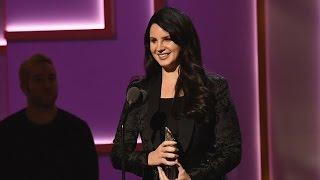 Baixar Lana Del Rey Accepts Billboard Trailblazer Award (2015)