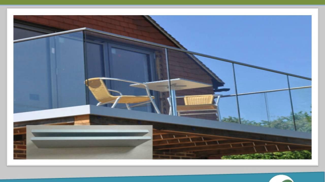 Balcones y escaleras de cristal templado youtube for Casa minimalista cristal