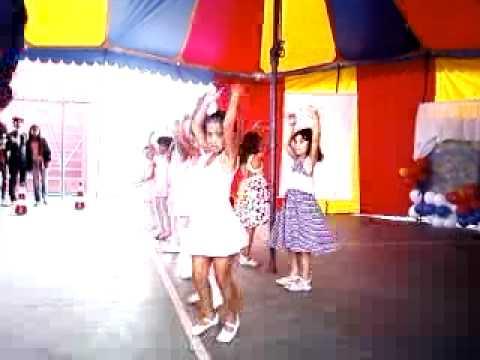 esther dançando