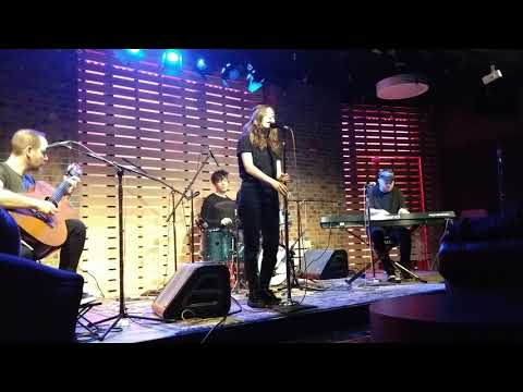 CHVRCHES - Miracle (101 WKQX Sound Lounge 12/01/18 Private Show)