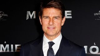 Tom Cruise Limps Away After Stunt On 'Mission: Impossible 6' | Los Angeles Times