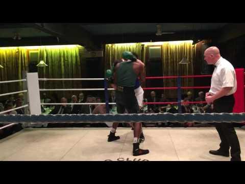 Eamonn Boxing 02