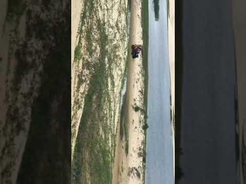 Eu dirigindo quadriciclo na lagoa do portinho em parnaiba