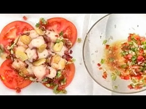 Салат из осьминога.