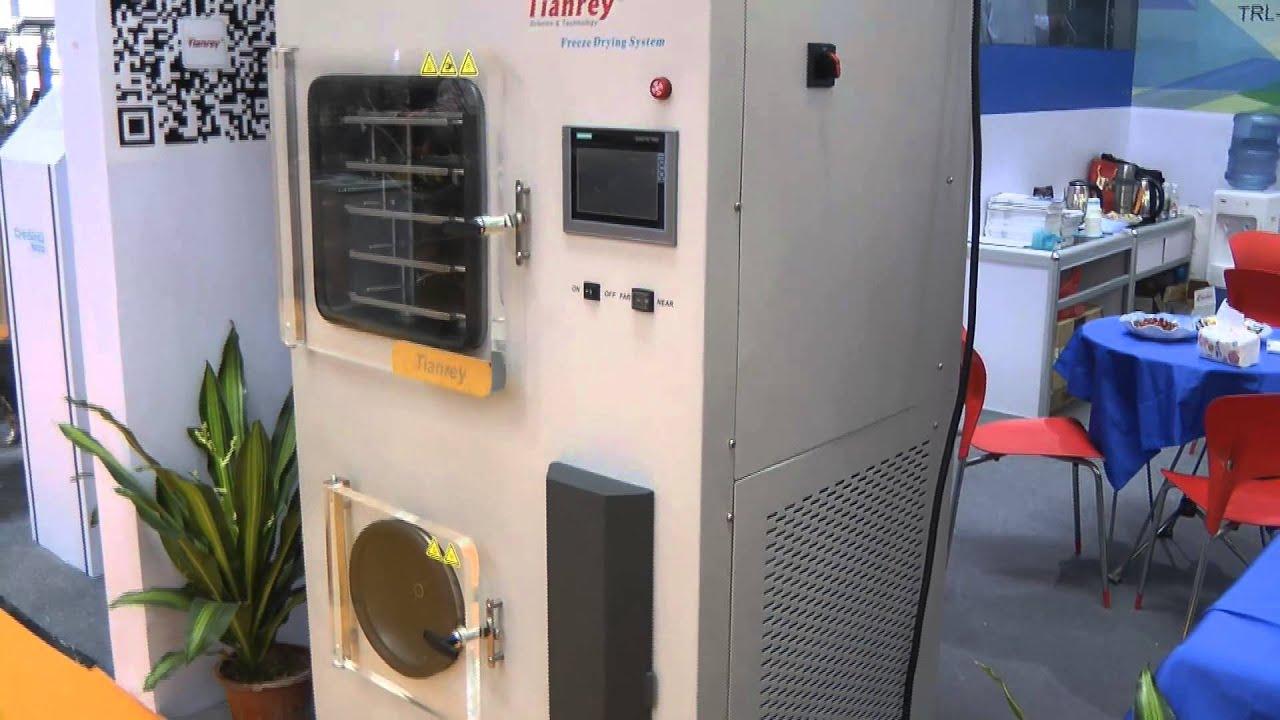 Содержание первого периода работы установки – периода вакуумирования системы до заданного низкого давления — зависит от состояния загружаемого продукта, подлежащего сушке (замороженный или с положительной температурой). Если в сублиматор помещен влажный продукт с положительной.