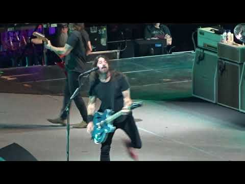 Foo Fighters - Run (Opening Song)  - Live at Little Caesars Arena in Detroit, MI on 10-15-18