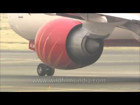 Rolls Royce or GE engines on this Air India plane? OK, GE90-110B engines on Boeing 777 LR
